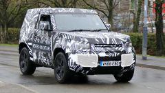 Nuova Land Rover Defender: ecco la tre porte - Immagine: 2