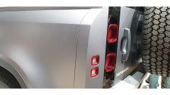 Nuova Land Rover Defender al Salone di Francoforte 2019. dettaglio posteriore
