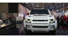 Nuova Land Rover Defender al Salone di Francoforte 2019. frontale