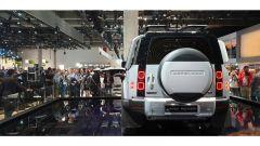 Nuova Land Rover Defender al Salone di Francoforte 2019. posteriore