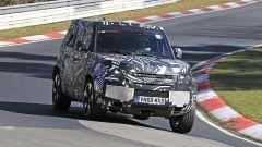 Nuova Land Rover Defender, foto spia
