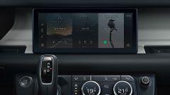 Nuova Land Rover Defender V8: il sistema multimediale sarà come quello delle Defender