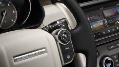 Nuova Land Rover Discovery, comandi sul volante