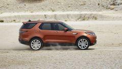 Nuova Land Rover Discovery, vista di profilo