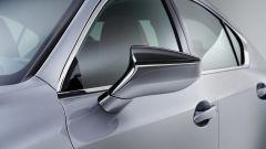 Nuova Lexus IS 2021, lo specchio retrovisore esterno