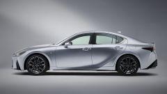 Nuova Lexus IS 2021, vista laterale