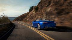 Nuova Lexus LC 500 Convertible, al via le vendite. L'identikit - Immagine: 18