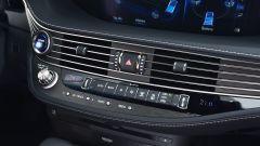 Nuova Lexus LS Hybrid 2018, a gennaio da 105.000 euro - Immagine: 22
