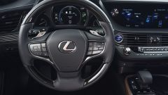 Nuova Lexus LS Hybrid 2018, a gennaio da 105.000 euro - Immagine: 23