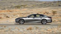 Nuova Lexus LS Hybrid 2018, a gennaio da 105.000 euro - Immagine: 31