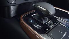 Nuova Lexus LS Hybrid 2018, a gennaio da 105.000 euro - Immagine: 34