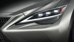 Nuova Lexus LS: dettaglio luci a LED anteriori