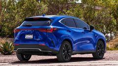 Nuova Lexus NX: una vista di 3/4 posteriore