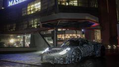 Nuova Maserati 2020, il prototipo in posa a Modena