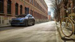 """Nuova Maserati Levante Hybrid, """"micro"""" scossa pure al SUV [VIDEO] - Immagine: 22"""