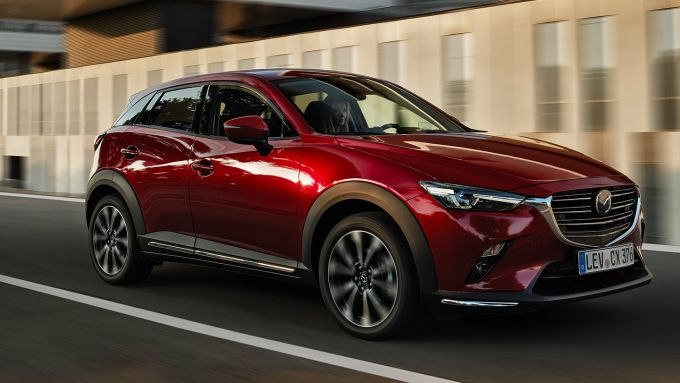 Nuova Mazda CX-3: il 3/4 anteriore