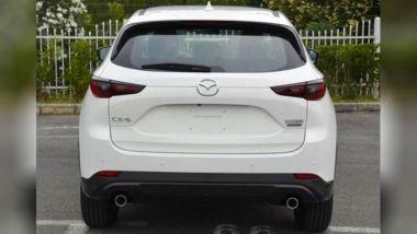 Nuova Mazda CX-5 2022, vista posteriore