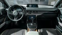 Nuova Mazda MX-30 2020: la plancia