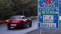Nuova Mazda MX-5 2019: la prova sulla Transfagarasan [VIDEO] - Immagine: 10