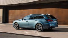 Nuova Mazda6 2017 Wagon: vista 3/4 posteriore