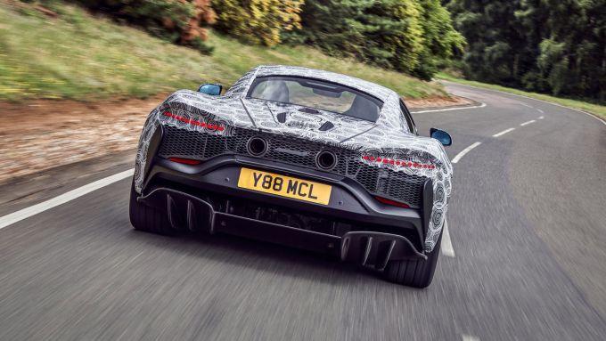 Nuova McLaren ibrida: il posteriore