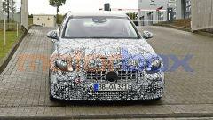 Nuova Mercedes-AMG C63: foto spia del frontale