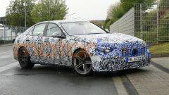 Nuova Mercedes-AMG C63: look tradizionale per sfidare le nuove BMW M3 e M4