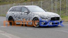 Mercedes-AMG C63 2022: nuove foto spia della station wagon sportiva