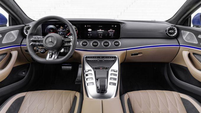 Nuova Mercedes-AMG GT Coupé4 43 4Matic+: gli interni