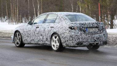 Nuova Mercedes C53 AMG: il muletto e ancora sotto copertura
