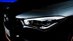 Nuova Mercedes CLA 2019, i fari anteriori a LED