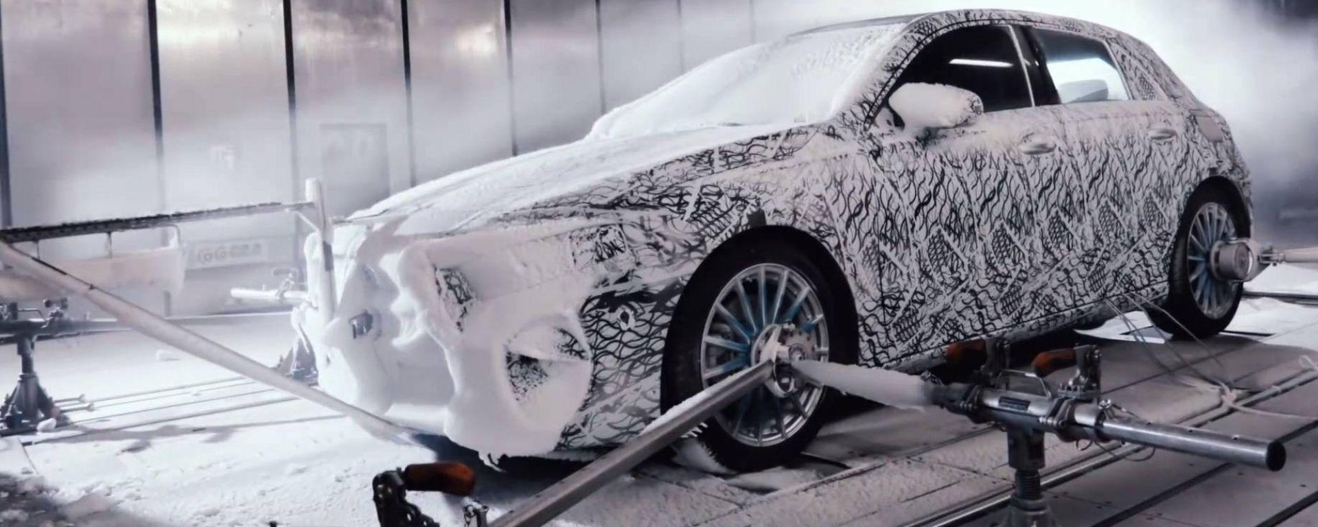Nuova Mercedes Classe A 2018: il video dei test invernali