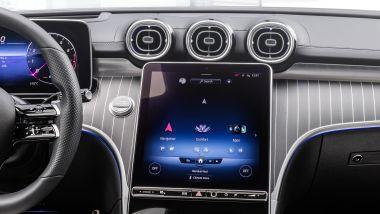 Nuova Mercedes Classe C 2021: il nuovo touchscreen centrale del sistema multimediale