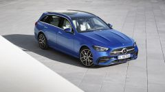 Nuova Mercedes Classe C berlina e sw: di 3/4 dall'alto