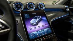 Nuova Mercedes Classe C berlina e sw: il grande tablet verticale da un altro punto di vista