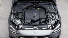 Nuova Mercedes Classe C berlina e sw: il motore quattro cilindri elettrificato