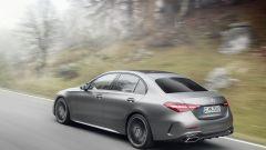 Nuova Mercedes Classe C berlina e sw: una vista di 3/4 posteriore della 3 volumi