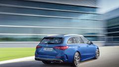 Nuova Mercedes Classe C berlina e sw: una vista di 3/4 posteriore