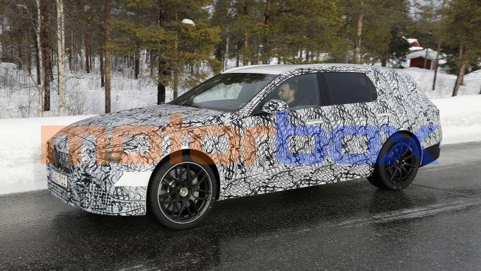Nuova Mercedes Classe C SW AMG: potrebbe montare un 4 cilindri elettrificato molto potente
