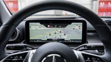 Nuova Mercedes Classe C SW: il display del cruscotto mostra anche i dati della navigazione