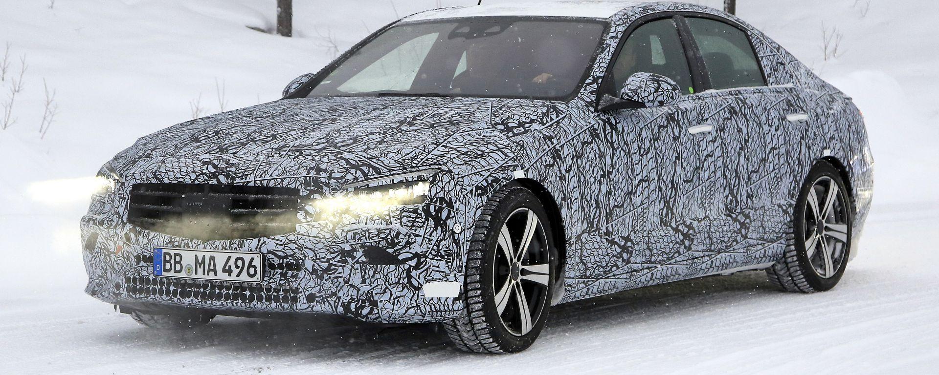 Nuova Mercedes Classe C: vista frontale