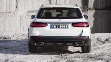 Nuova Mercedes Classe E 2020: la coda della All Terrain uguale alla sw normale ma con i paraurti in plastica grezza