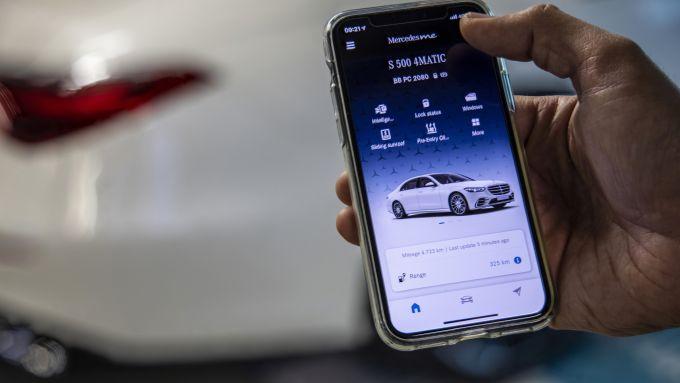 Nuova Mercedes Classe S: con l'app può parcheggiare senza nessuno a bordo