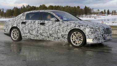 Nuova Mercedes Classe S Maybach, il V12 resiste