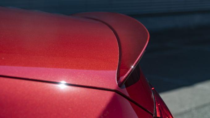 Nuova Mercedes CLS 2021: il dettaglio del piccolo spoiler sul cofano bagagli