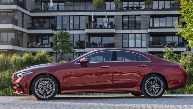 Nuova Mercedes CLS 2021: il profilo elegante della tedesca