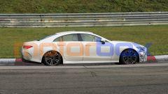 Nuova Mercedes CLS 2021: la coupé 4 porte vista di profilo