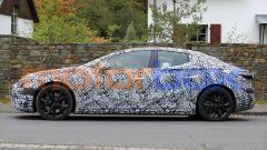 Nuova Mercedes EQE: un'auto dalle proporzioni equilibrate