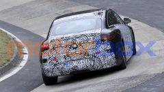 Nuova Mercedes EQS AMG: un passaggio in curva ad alta velocità
