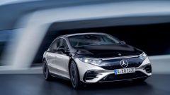 Nuova Mercedes EQS: visuale anteriore